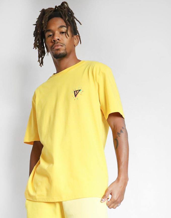 Camiseta amarilla de Guess