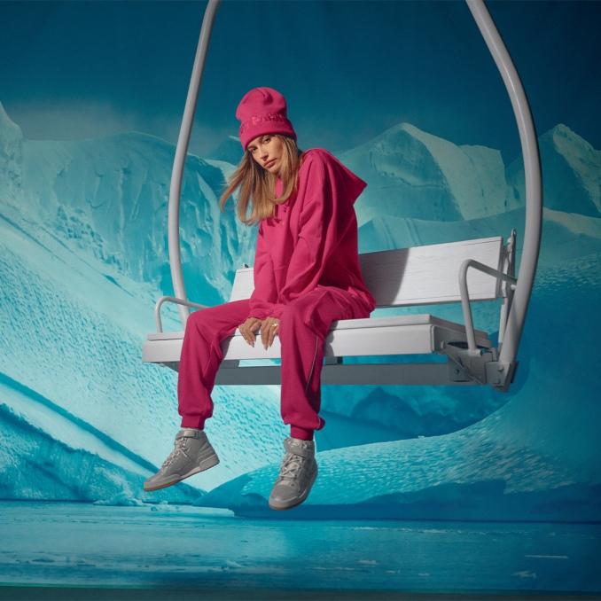 Hailey Bieber - Ivy Park - Icy Park