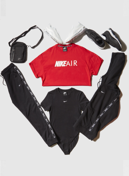 Nike Air Boyfriend t-shirt en Nike Essential Short Sleeve Bodysuit